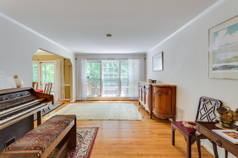 Perfect 11331 Edenderry Dr Fairfax VA Large 008 4 Living Room 1500×1000 72dpi